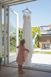 bruiloft-jurk-meisje